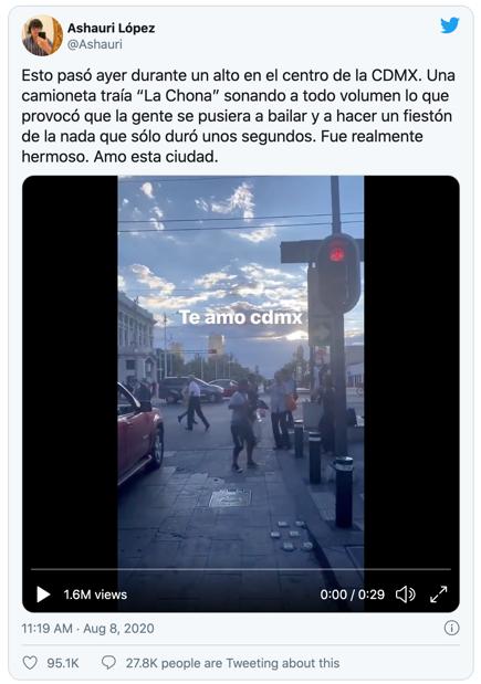 """'LA CHONA'-""""fiestón"""" frente alPalacio de Bellas Artes"""